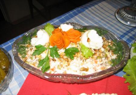 Салат с грибами торжественный